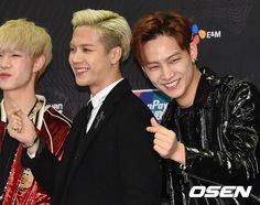 GOT7 at Mnet MAMA 2015 red carpet