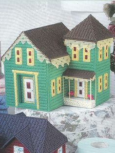 What's New - Plastic Canvas - Green Victorian House. . .so pretty! (e-PatternsCentral)