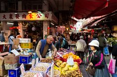 Day or Night... Buzzling Market by Guimin  on 500px
