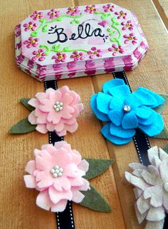 Diy ribbon hair clip holder. Best diy baby shower gift.