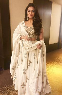 Styling cues to steal from Keerthi Suresh! Floral Crop Tops, Floral Blouse, Indian Dresses, Indian Outfits, Dream Dress, I Dress, White Off Shoulder Dress, Saree Photoshoot, Elegant Girl