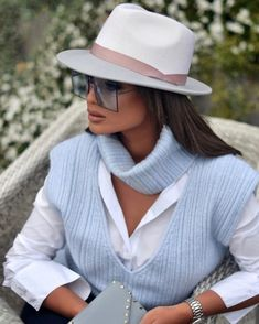 Classy Outfits, Chic Outfits, Frack, Business Casual Attire, Business Wear, Stylish Hats, Outfits With Hats, Casual Chic Style, Winter Fashion Outfits