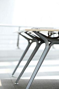 Steel Furniture, Cool Furniture, Modern Furniture, Furniture Design, Refurbished Furniture, Office Furniture, Exposed Wood, Office Table, Interior Design
