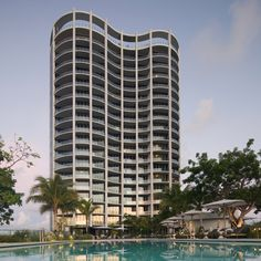 Miami Architecture, Commercial Architecture, Beautiful Architecture, Residential Architecture, Zaha Hadid Architects, Famous Architects, Grove Park, Residential Complex, Glass Facades