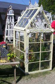 greenhouse from old windows! - greenhouse from old windows! Best Picture For shutters repurposed ideas For Your Taste You are lo - Vintage Windows, Old Windows, Windows And Doors, Antique Windows, Windows Decor, Recycled Windows, Window Greenhouse, Mini Greenhouse, Greenhouse Ideas