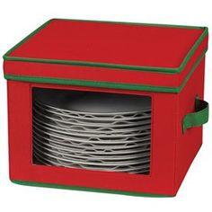There are even storage containers to for your holiday dishes!