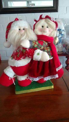 Felt Christmas Decorations, Christmas Crafts, Holiday Decor, Elf On The Shelf, Margarita, Mosaic, Projects To Try, Santa, Teddy Bear