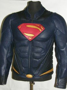 SUPERMAN™ chest logo, Belt Buckle and Trim Detailing made from -injection molded- flexible rubber body armor. Form molded leather muscle groups in the jacket torso front, back, shoulders and biceps. Muscle groups in the pants located on front thigh area. Removable jacket collar. - See more at: http://danileathers.com/product/man-steel-superman-leather-jacket/#tab-description