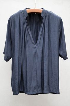 Indigo Egret Blouse...just chop the sleeves & hem shorter on the peasant top pattern and you've got this beauty...