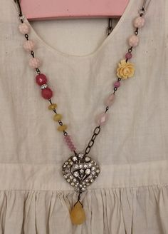 I like the use of different beads to add interest and colour