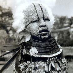 Criança Kayapó-Xikrin caracterizada para as festividades