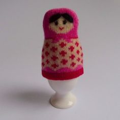 Garde le coco au chaud! - Love this egg cosy.