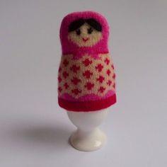 Garde le coco au chaud! - Love this egg cosy.
