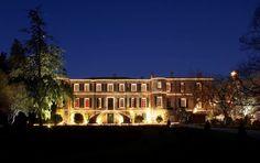 Το χριστουγεννιάτικο κάστρο του κρασιού - Fontvieille, Γαλλία Europe, Louvre, Mansions, House Styles, Building, Home Decor, Hobbies, Noel, Travel