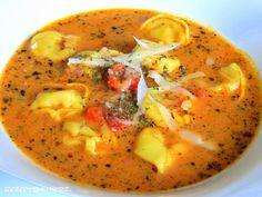 Ihr Liebenn Ihr müsst unbedingt mal diese cremige Suppe ausprobieren…so einfach und schnell gemacht und das perfekte Wärmende an kalten Tagen.   Ihr benötigt für 4 Portionen: ♡ 1 Zwiebe…