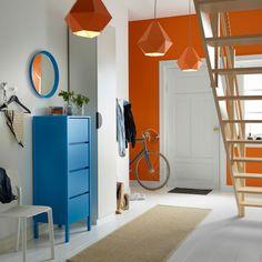 Hall de entrada com móveis IKEA