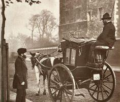 20 London's beautiful Victorian style Victorian Street, Victorian London, Victorian Era, Victorian Fashion, London History, Old London, Modern History, London Photos, Vintage Photographs