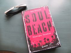 The German edition of Soul Beach - book 1 - you can't see the black-edged pages which make it sooo menacing!