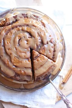 This Sweet Pumpkin Cinnamon Roll Cake proves that one big cinnamon roll is better than eight small ones. This simple cake recipe will only take a fraction of your time to make.