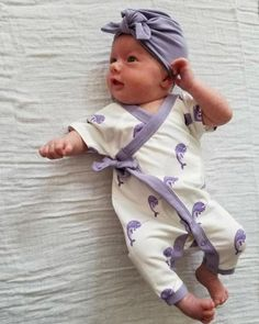 Cute Little Baby, Baby Love, Cute Babies, My Baby Girl, Baby Girls, Cute Baby Onesies, Cute Baby Clothes, Babies Clothes, Newborn Schedule