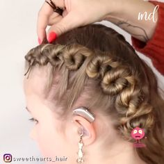 Short Hair Makeup, Blonde Hair Makeup, Easy Hairstyle Video, Braided Hairstyles, Style Hairstyle, Hairstyles 2018, Wedding Hairstyle, Medium Hair Styles, Curly Hair Styles