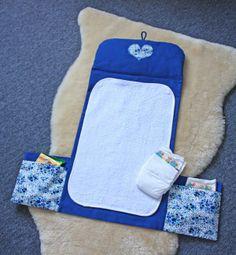 http://www.pourmesjolismomes.com/2012/03/le-tuto-de-ma-pochette-langer.html?m=1