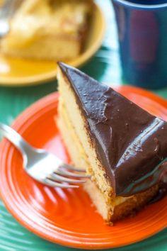 Two Layer Cakes, Boston Cream Pie, Cream Pie Recipes, Custard Filling, Sponge Cake Recipes, Classic Desserts, Chocolate Glaze, Wonderful Recipe, Vegetarian Chocolate