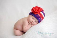 Newborn girl hat. Newborn hat. Hat with flower. by CrochetHarvest