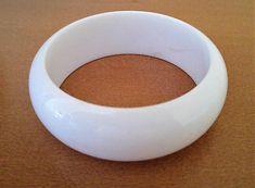 Bracelet-blanc-large-en-plastique-NEUF