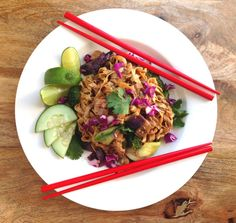 Spicy Indonesian Street Cart Noodles – Mie Goreng – with Vegan Chicken (and Crispy Shallots) Grean Beans, Mie Goreng, Chinese Cooking Wine, Sugar Snap Peas, Shredded Carrot, Hoisin Sauce, Indonesian Food