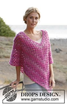 "Ravelry: ""Raspberry Smoothie"" - Poncho in Verdi pattern by DROPS design Bonnet Crochet, Gilet Crochet, Crochet Cape, Crochet Poncho Patterns, Shawl Patterns, Love Crochet, Crochet Granny, Crochet Scarves, Crochet Shawl"