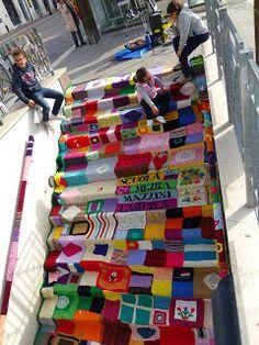l'aquila, italy, 6 april 2012 by Mettiamoci Una Pezza Knit Art, Crochet Art, Yarn Bombing, Escalier Art, Urbane Kunst, Art Du Monde, Extreme Knitting, David Zinn, World Of Color
