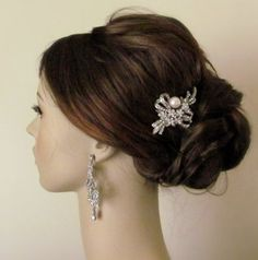Rhinestone bouquet with pearl bridal hair comb - Crystal hair comb