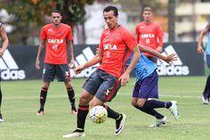 Com Donatti e Damião, Flamengo vence jogo-treino no Ninho do Urubu #globoesporte