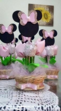 first birthday decoration ideas Minnie Mouse Birthday Decorations, Minnie Mouse Theme Party, Minnie Mouse Pink, Mickey Party, Mouse Parties, Girl Birthday Themes, Barbie Birthday, Mickey Birthday, Daisy Duck Party