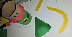 Here is a fun elf craft for the kids to do for Christmas! We use a recycled toilet paper roll and turned it into Santa's helper! All you really need is construction paper and tape to do this art project. Wrap the toilet paper roll with a green strip of paper. Cut out a yellow …