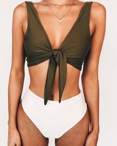 Vacation Swimsuits and Beachwear for women. Womens Affordable bikinis, swim suit cover ups. Summer bikini and beach outfit ideas. Summer Suits, Summer Wear, Pink Summer, Style Summer, Cute Swimsuits, Women Swimsuits, Cute Bathing Suits, Bathing Suit Top, Swim Top