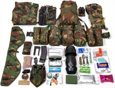 The contents of your webbing make up PLCE Combat Order. This image shows some recommended contents for an Adult Instructors or Cadet NCO's webbing and can be used as a basis for ideas. Survival Prepping, Survival Skills, Survival Gear, Camping Survival, Outdoor Survival, Outdoor Camping, Battle Belt, British Army Uniform, Army Gears