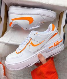 Nike Air Force 1 Shadow Total Orange 🍊 - Nike Air Force 1 Shadow Frauenschuh weiß / orange Source by everysize - Moda Sneakers, Gucci Sneakers, Sneakers Fashion, Fashion Shoes, Shoes Sneakers, Shoes Jordans, Women's Shoes, Adidas Shoes, Cute Nike Shoes
