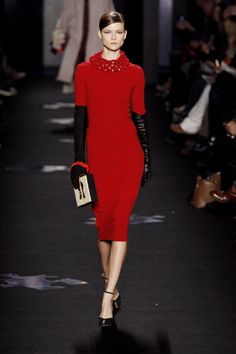 I so want a red dress..  This without the collar..  A simple lipstick-red dress from Diane Von Furstenberg, Fall 2012