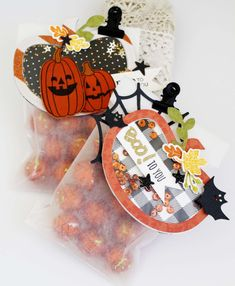 Pumpkin Treat Bags by Melissa Phillips for Papertrey Ink (August 2016)