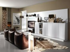 Wohntrends 2014- the white living room wall creates a modern ambience