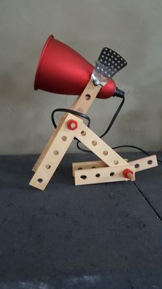 """Zit """"Spot"""" en wacht!! Leuke lamp voor de kinderkamer... Delare@live.nl"""