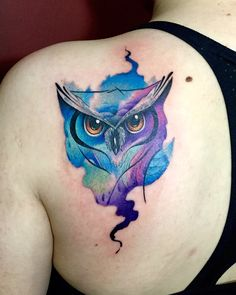 Owl watercolor tattoo By Juan David Castro R.so obsessed with these colors! Lila Tattoos, Purple Tattoos, Trendy Tattoos, Black And Grey Tattoos, Body Art Tattoos, New Tattoos, Watercolor Owl Tattoos, Owl Watercolor, Abstract Tattoos