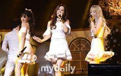 【PHOTO】少女時代 テティソ、クリスマスアルバム「Dear Santa」発売記念ショーケースを開催 - K-POP - 韓流・韓国芸能ニュースはKstyle