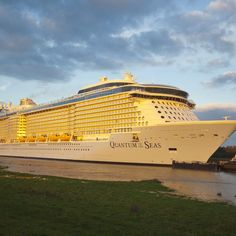 Like big ships that are chock full of activities? You'll love Quantum of the Seas, the new floating mega-resort from Royal Caribbean.