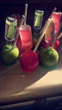 Recently Gone Vegan? Try These Simple Healthy Vegan Snacks Candy Drinks, Yummy Drinks, Liquor Candy, Alcohol Candy, Liquor Drinks, Gourmet Candy Apples, Mini Candy Apples, Healthy Vegan Snacks, Vegan Desserts