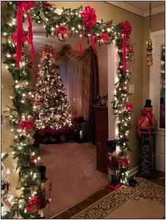 Are you searching for images for farmhouse christmas tree? Check this out for unique farmhouse christmas tree ideas. This farmhouse christmas tree ideas appears to be entirely excellent. Noel Christmas, Christmas Crafts, White Christmas, Natural Christmas, Christmas Budget, Christmas Ideas, Outdoor Christmas, Christmas 2019, Beautiful Christmas