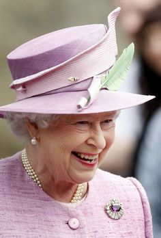 Queen Elizabeth, July 12, 2010 Philip Somerville hat, Stewart Parvin coat