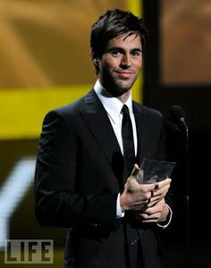 http://youtu.be/Bjih61yNZro Enrique Iglesias - You And I  (official audio 2014)